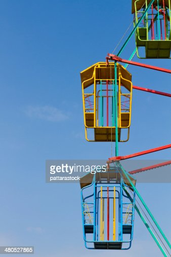 Colorful ferris wheel with blue sky : Stockfoto