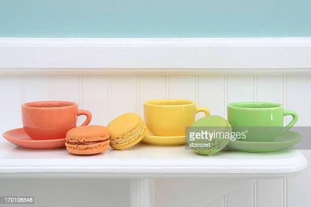 Coloré de Macarons et café