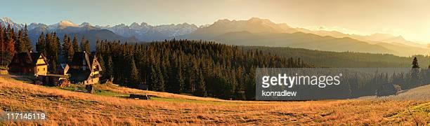 Colorato paesaggio di montagna Panorama HDR 100 Mpix