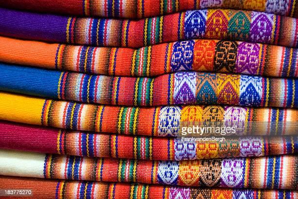 Coloridos textiles peruano