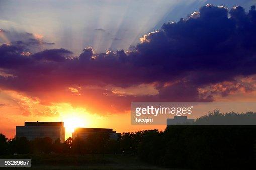 Suburbanos colorido pôr-do-sol