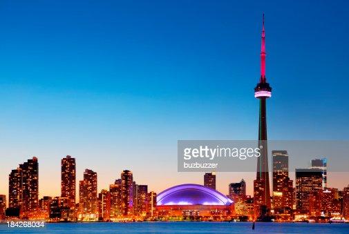 Coloré coucher de soleil sur la ville de Toronto