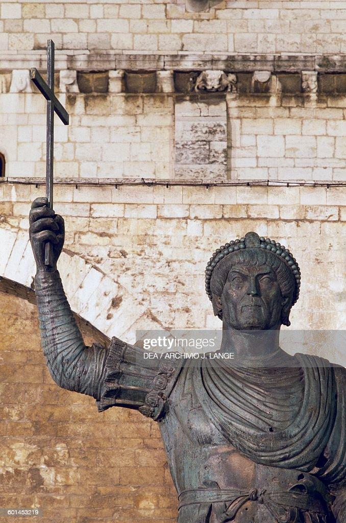 alfarano sindaco barletta statue - photo#3