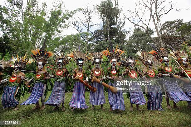 Colourful tribal dance at sing sing