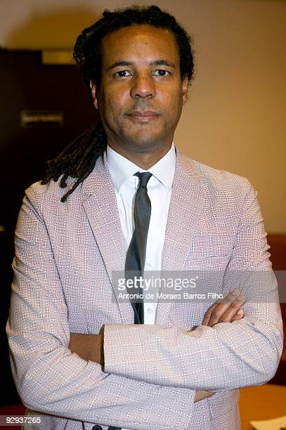 Colson Whitehead attends the 'Rencontres avec 12 Ecrivains Americains' at Bibliotheque Nationale de France on November 9 2009 in Paris France