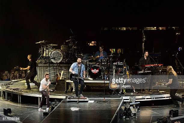 Colton Swon and Zach Swon of the Swon Brothers perform during The Storyteller Tour 2016 at The Palace of Auburn Hills on March 22 2016 in Auburn...