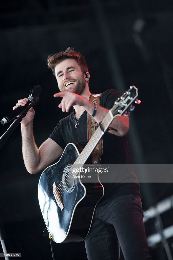 colton swon of the swon brothers performs onstage during wirk rib round up concert at cruzan. Black Bedroom Furniture Sets. Home Design Ideas