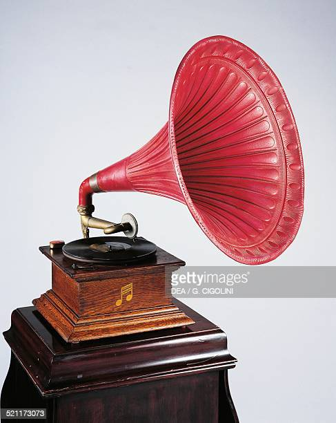 Columbia gramophone 1907 United States of America 20th century United States