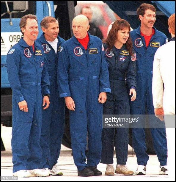 space shuttle mission specialist - photo #25