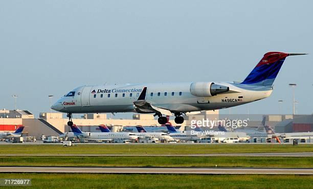 Comair jet lands at Atlanta HartsfieldJackson International Airport August 27 2006 in Atlanta Georgia Comair Flight 5191 bound for Atlanta crashed...