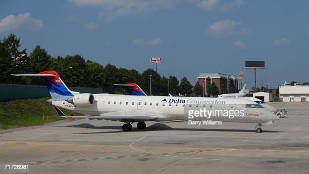 Comair jet sits on the tarmac at Atlanta HartsfieldJackson International Airport August 27 2006 Comair Flight 5191 bound for Atlanta crashed this...