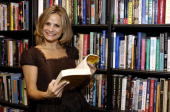 Comedian Amy Sedaris poses before signing copies of her cookbook 'I Like You Hospitality Under the Influence' at Book Soup on October 25 2006 in West...
