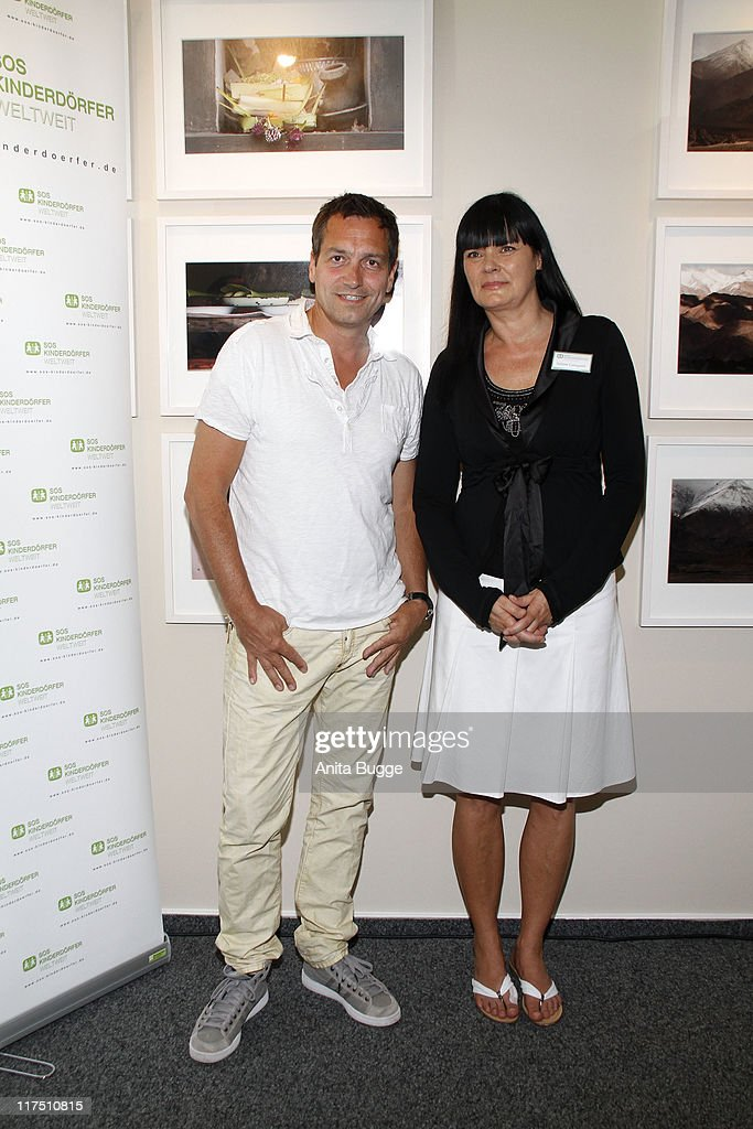39 nuhr fuer sos 39 exhibition opening getty images. Black Bedroom Furniture Sets. Home Design Ideas