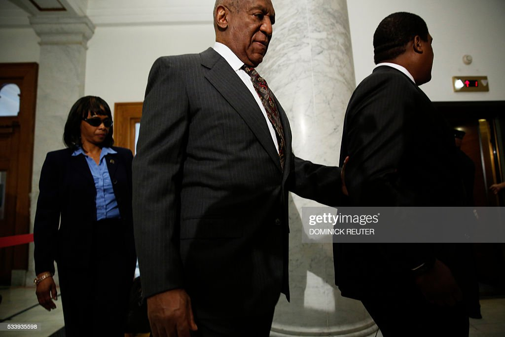Comedian Bill Cosby arrives at the Montgomery County Courthouse for a preliminary hearing, related to assault charges, May 24, 2016, in Norristown, Pennsylvania. / AFP / DOMINICK