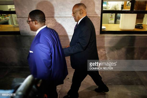 Comedian Bill Cosby departs the Montgomery County Courthouse on June 12 2017 in Norristown Pennsylvania The fate of Bill Cosby June 12 2017 lay in...