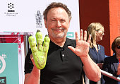 TCM Honors Billy Crystal With A Hand And Footprint...