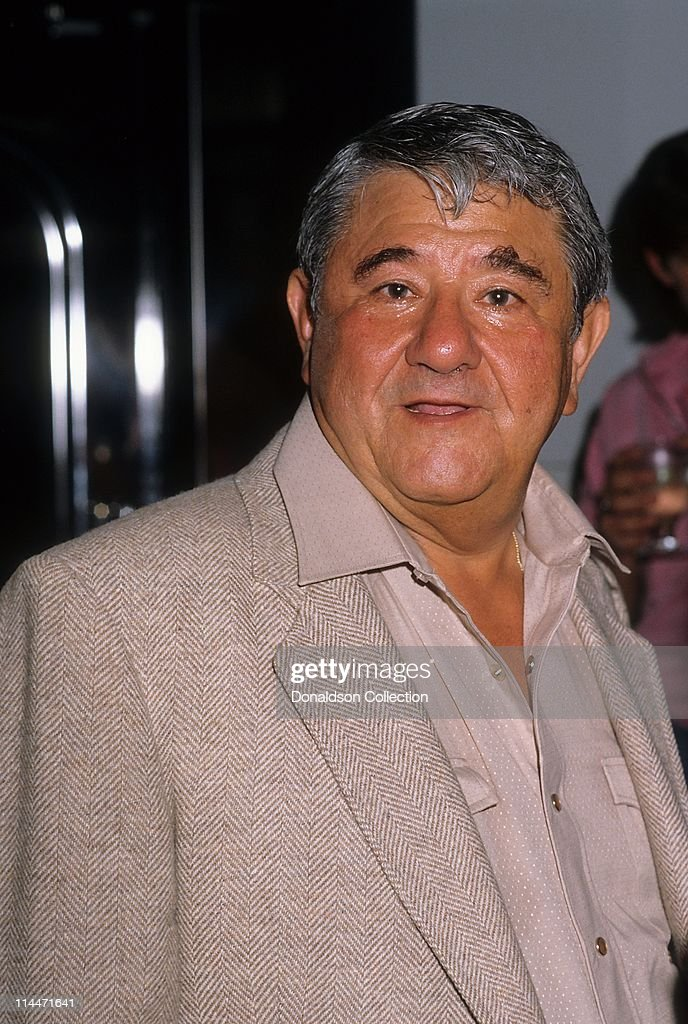 Comedian <a gi-track='captionPersonalityLinkClicked' href=/galleries/search?phrase=Buddy+Hackett&family=editorial&specificpeople=224801 ng-click='$event.stopPropagation()'>Buddy Hackett</a> poses for a portrait in circa 1985 in Los Angeles, California.