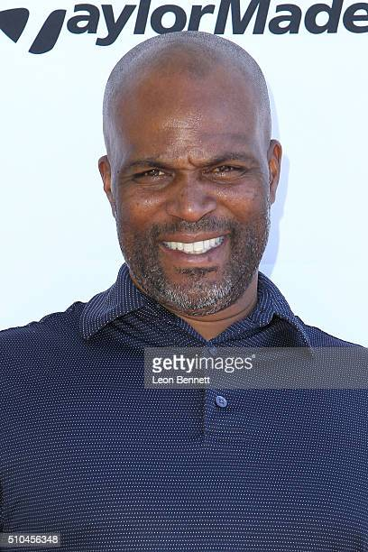 Comedian Chris Spencer arrives at the inaugural Stephen Bishop celebrity golf invitational benefiting RAKE at Calabasas Country Club on February 15...