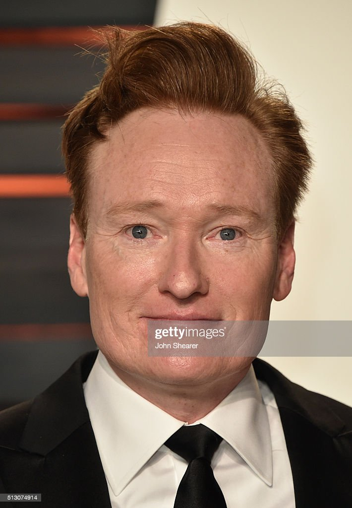 Comedian Conan O'Brien arrives at the 2016 Vanity Fair Oscar Party Hosted By Graydon Carter at Wallis Annenberg Center for the Performing Arts on...