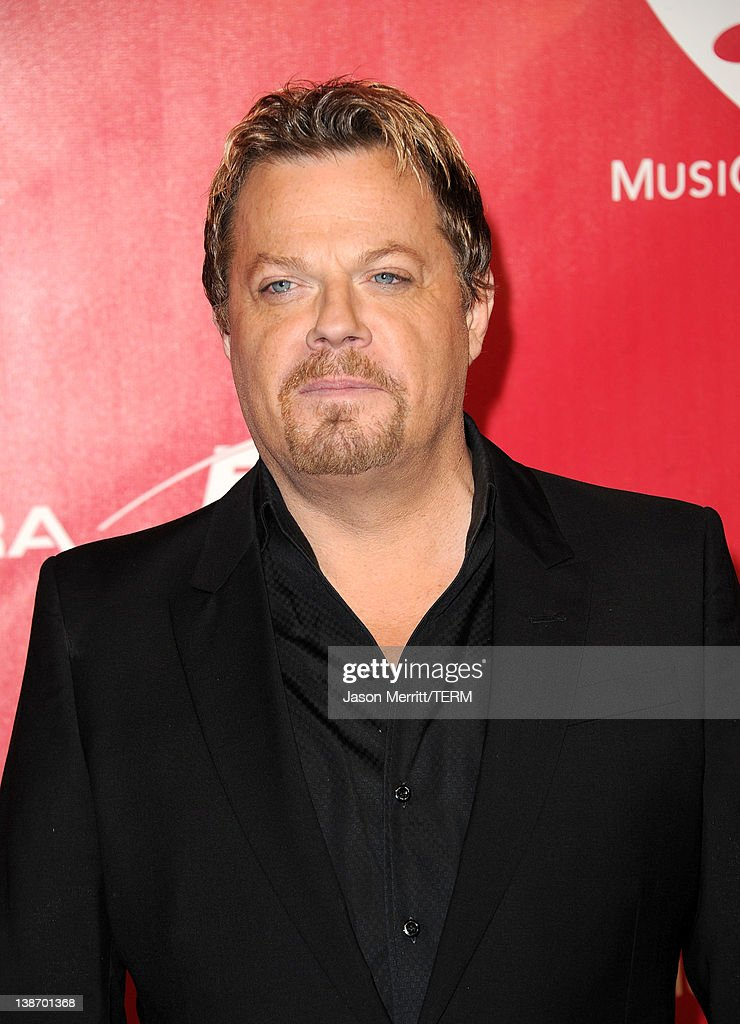 Comedian <a gi-track='captionPersonalityLinkClicked' href=/galleries/search?phrase=Eddie+Izzard&family=editorial&specificpeople=204152 ng-click='$event.stopPropagation()'>Eddie Izzard</a> arrives at the 2012 MusiCares Person of the Year Tribute To Paul McCartney held at the Los Angeles Convention Center on February 10, 2012 in Los Angeles, California.