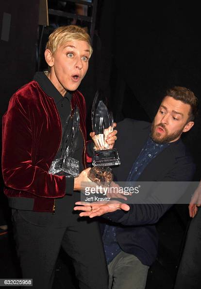 Comedian Ellen DeGeneres and singer/actor Justin Timberlake pose with awards backstage during the People's Choice Awards 2017 at Microsoft Theater on...
