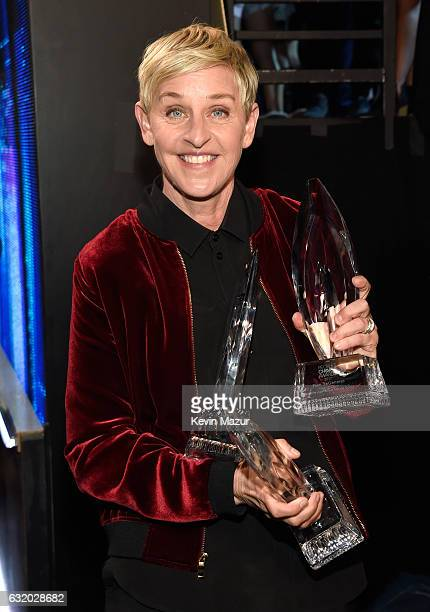 Comedian Ellen DeGeneres backstage at the People's Choice Awards 2017 at Microsoft Theater on January 18 2017 in Los Angeles California