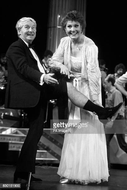 Comedian Ernie Wise and Angela Rippon Comedian Ernie Wise died this morning in hospital his wife Doreen said He was 73 See PA story DEATH Wise PA...