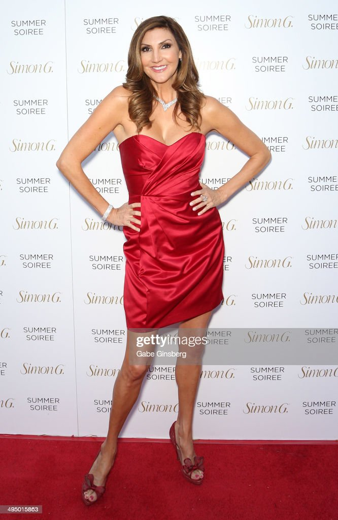 Comedian <a gi-track='captionPersonalityLinkClicked' href=/galleries/search?phrase=Heather+McDonald&family=editorial&specificpeople=4756128 ng-click='$event.stopPropagation()'>Heather McDonald</a> arrives at the Simon G Soiree at the Four Seasons Hotel Las Vegas on May 31, 2014 in Las Vegas, Nevada.
