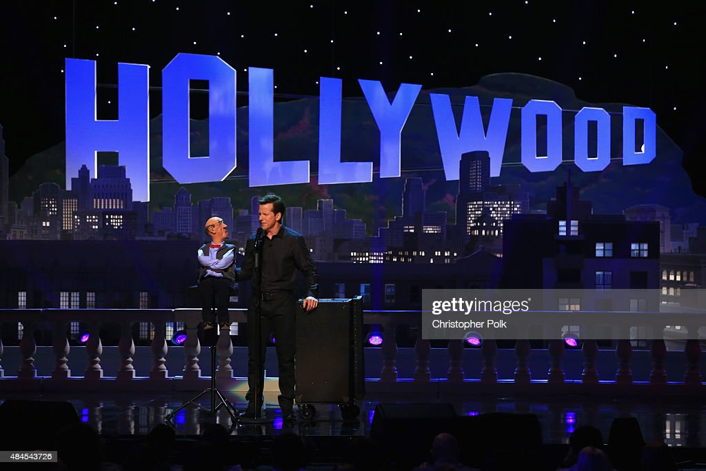 Jeff Dunham: Unhinged In Hollywood Featuring Special Guest Brad Paisley