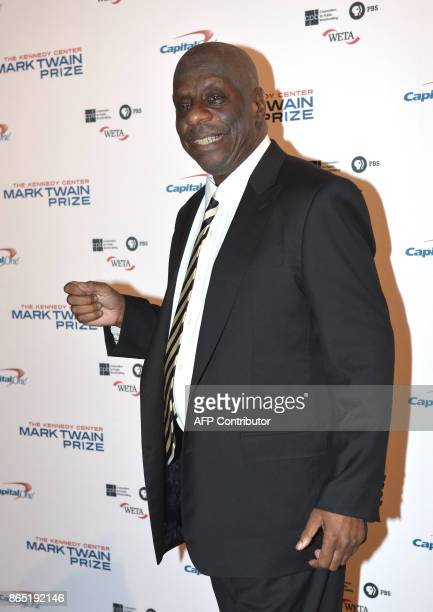 Comedian Jimmie Walker arrives for the 20th Annual Mark Twain Prize for American Humor honoring former talk show host David Letterman at the Kennedy...