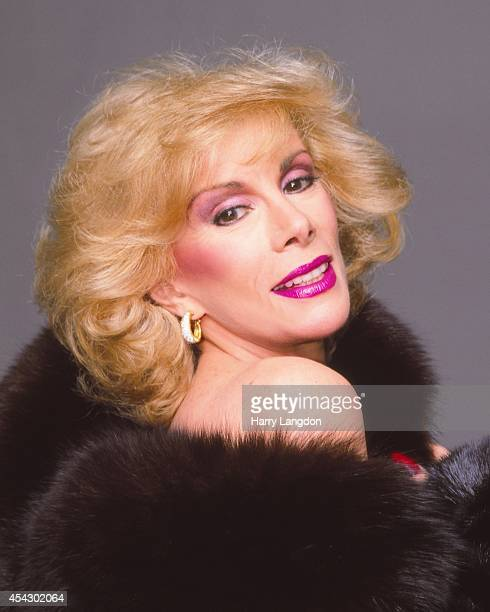 Comedian Joan Rivers poses for a portrait in 1987 in Los Angeles California