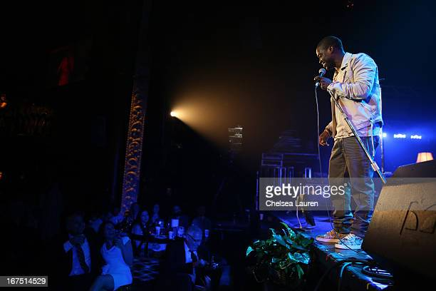 Comedian Kevin Hart performs on stage during the Second Annual Hilarity For Charity benefiting The Alzheimer's Association at the Avalon on April 25...