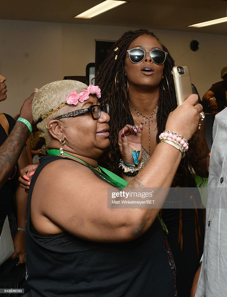 Comedian <a gi-track='captionPersonalityLinkClicked' href=/galleries/search?phrase=Luenell&family=editorial&specificpeople=2159262 ng-click='$event.stopPropagation()'>Luenell</a> (L) and tv personality <a gi-track='captionPersonalityLinkClicked' href=/galleries/search?phrase=Eva+Marcille&family=editorial&specificpeople=208986 ng-click='$event.stopPropagation()'>Eva Marcille</a> attend the BETX gifting suite during the 2016 BET Experience on June 25, 2016 in Los Angeles, California.