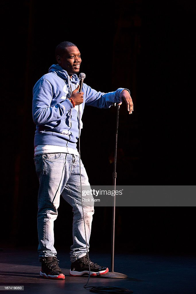 Comedian Michael Che performs on stage during the Moontower Comedy Festival at the Paramount Theatre on April 24, 2013 in Austin, Texas.