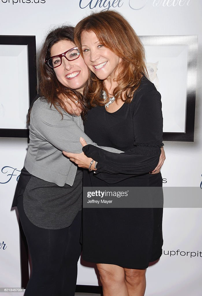 Comedian Rebecca Corry (L) and actress Cheri Oteri arrive at the Stand Up For Pits at The Hollywood Improv on November 5, 2016 in Hollywood, California