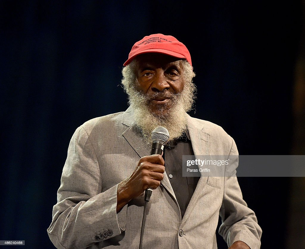 Comedian/civil rights activist <a gi-track='captionPersonalityLinkClicked' href=/galleries/search?phrase=Dick+Gregory+-+Activist&family=editorial&specificpeople=226818 ng-click='$event.stopPropagation()'>Dick Gregory</a> onstage at Georgia World Congress Center on August 29, 2015 in Atlanta, Georgia.