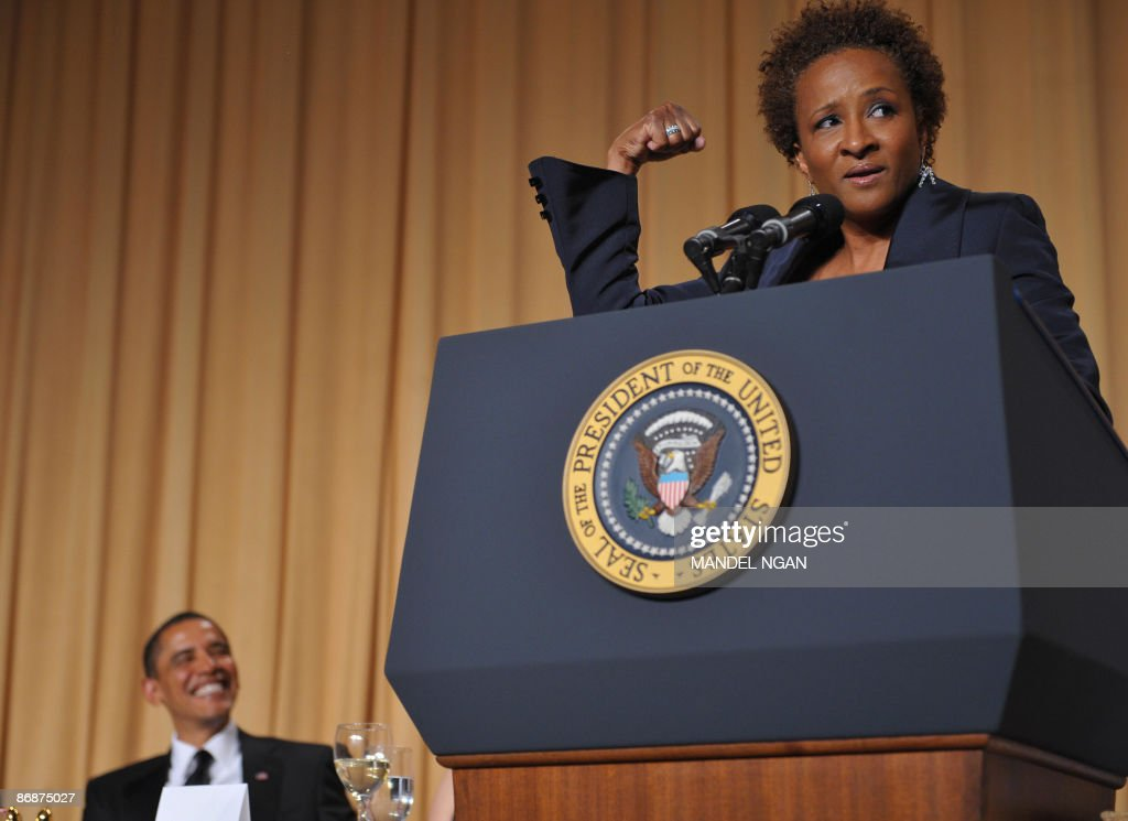 Comic actress Wanda Sykes performs as US President Barack Obama looks on during the White House Correspondents� Association annual dinner on May 9, 2009 at the Washington Hilton hotel in Washington. AFP PHOTO/Mandel NGAN