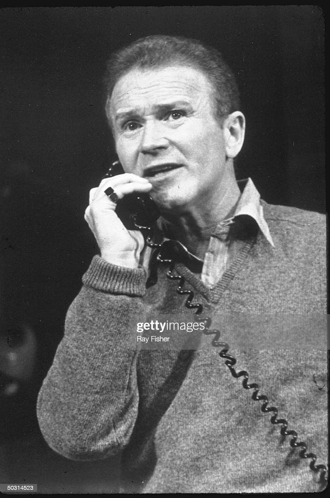 red buttons show