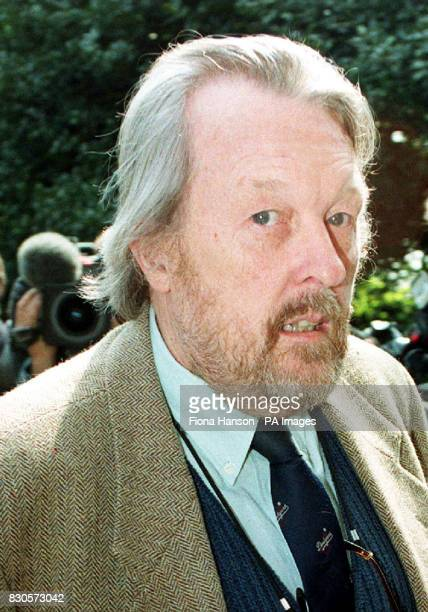 Comic Willie Rushton arriving for the memorial service of comic genius Peter Cook at the parish church of St JohnatHampstead north London 25/03/01...