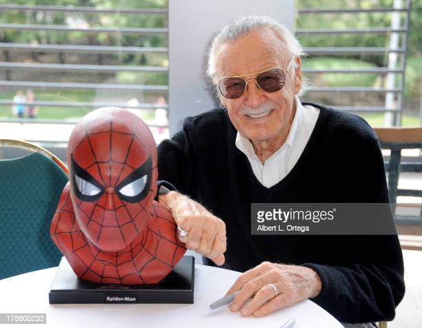 Comicbook Icon Stan Lee attends Day 1 of Wizard World Chicago Comic Con 2013 at the Donald E Stephens Convention Center on August 9 2013 in Rosemont...