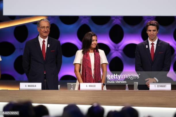 ComitŽ National Olympique et Sportif Franais President Denis Masseglia Paris Mayor Anne Hidalgo and Paris 2024 Bid CoChair and 3time Olympic...