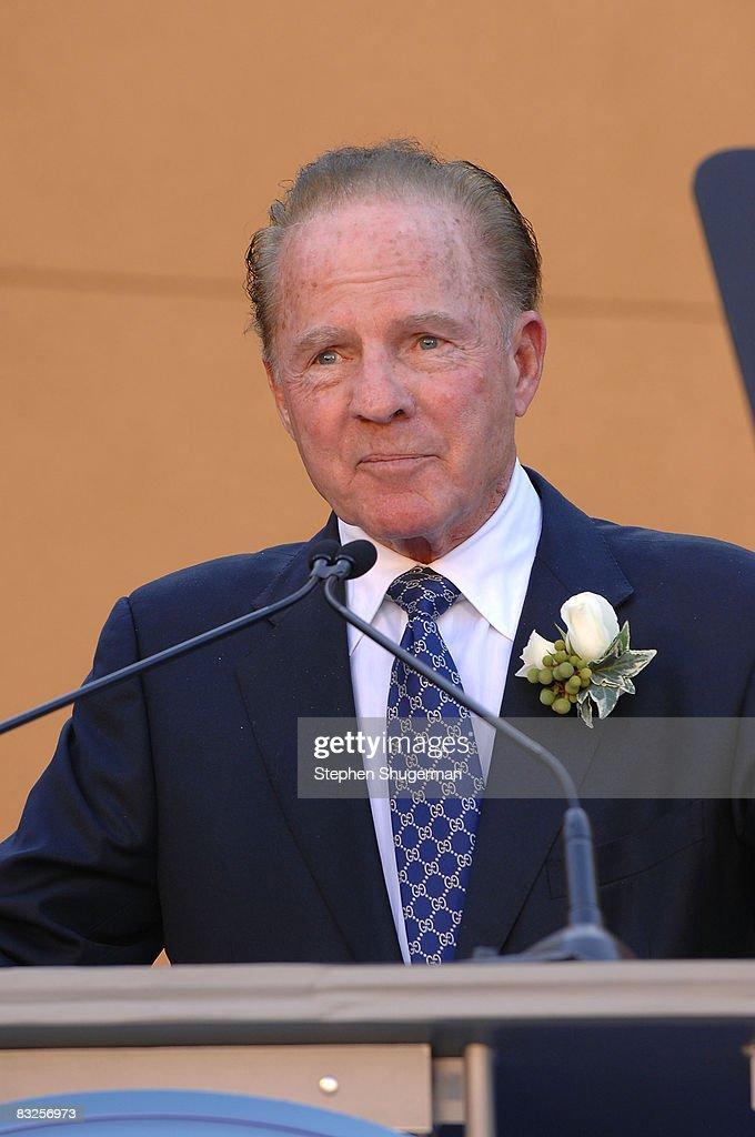 TV commentator Frank Gifford speaks at the 2008 Disney Legends Ceremony at the Walt Disney Studios on October 13, 2008 in Burbank, California.