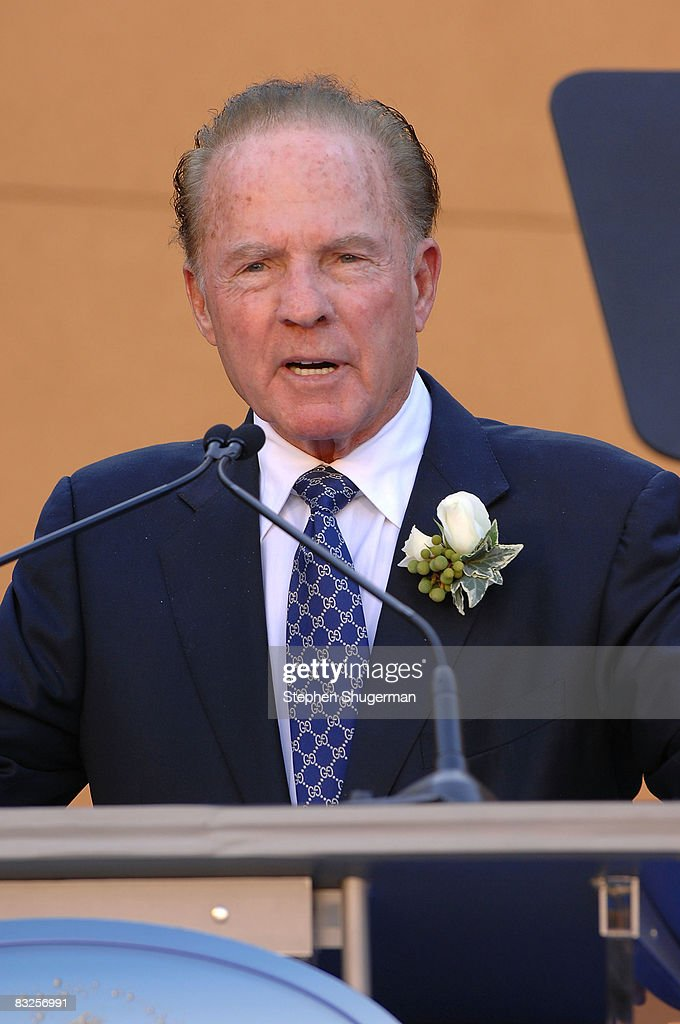 TV commentator <a gi-track='captionPersonalityLinkClicked' href=/galleries/search?phrase=Frank+Gifford&family=editorial&specificpeople=214258 ng-click='$event.stopPropagation()'>Frank Gifford</a> speaks at the 2008 Disney Legends Ceremony at the Walt Disney Studios on October 13, 2008 in Burbank, California.