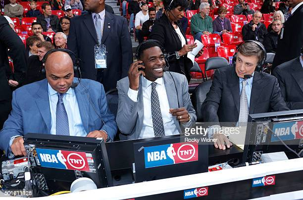 TNT commentators Charles Barkley Chris Webber and Marv Albert during the game between the New York Knicks and Sacramento Kings on December 10 2015 at...