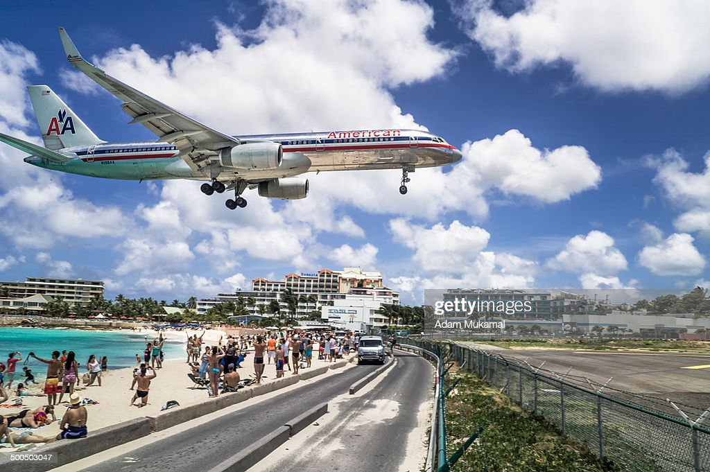 CONTENT] A commercial airline landing at the Princess Juliana International Airport in St Maarten