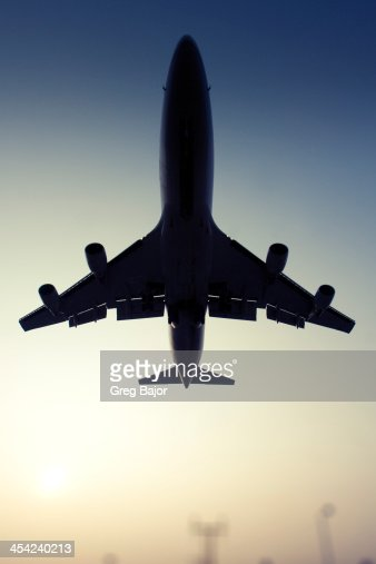 Commercial airliner : Stock Photo