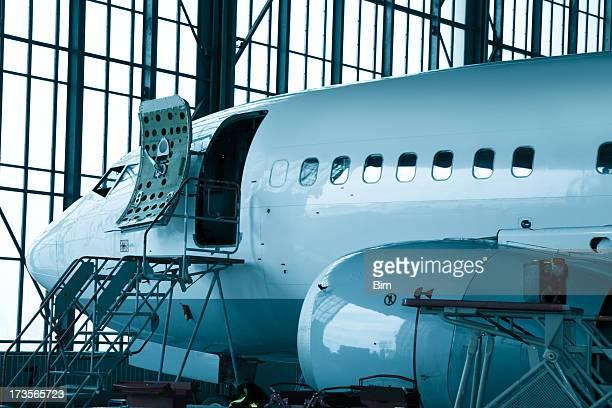 Passagierflugzeug Wartungsarbeiten Check-in'Hangar