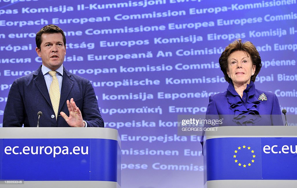 EU commissioner for Digital Agenda Neelie Kroes (R) and Member of the Center for Strategic and International Studies (CSIS) Karl-Theodor zu Guttenberg address a press conference on the launch of the 'No Disconnect Strategy on December 12, 2011 at the European Headquarters in Brussels.