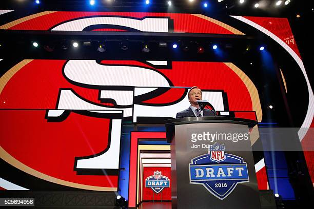 Commissioner Roger Goodell annonces DeForest Buckner of Oregon as the overall pick by the San Francisco 49ers during the first round of the 2016 NFL...