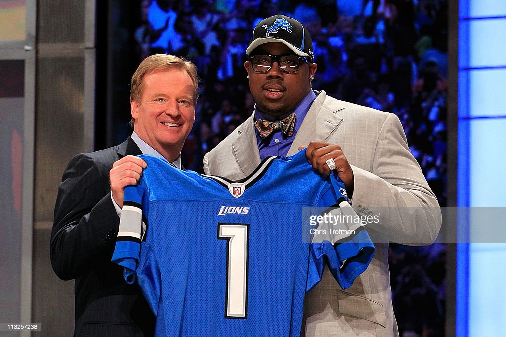 Commissioner <a gi-track='captionPersonalityLinkClicked' href=/galleries/search?phrase=Roger+Goodell&family=editorial&specificpeople=744758 ng-click='$event.stopPropagation()'>Roger Goodell</a> poses for a photo with <a gi-track='captionPersonalityLinkClicked' href=/galleries/search?phrase=Nick+Fairley&family=editorial&specificpeople=6549342 ng-click='$event.stopPropagation()'>Nick Fairley</a>, #13 overall pick by the Detroit Lions, during the 2011 NFL Draft at Radio City Music Hall on April 28, 2011 in New York City.